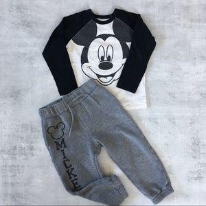 Mickey Mouse matching set!